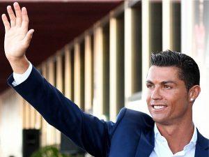 Cristiano Ronaldo chega aos 100 milhões de seguidores no Instagram