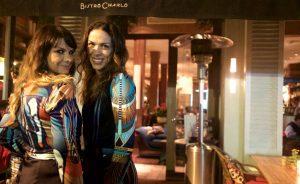 Adriana Barra e Bistrô Charlô juntos em lançamento de coleção da estilista