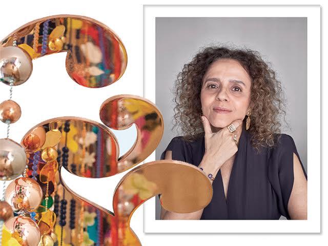 Beatriz Milhazes e detalhe de uma das esculturas que serão expostas no RJ || Créditos: Bob Wolfenson/Divulgação