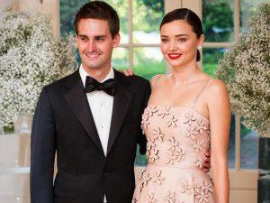 Miranda Kerr se casa com cofundador do Snapchat em cerimônia intimista