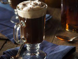Pasta de avelã é segredo de expert para deixar chocolate quente mais cremoso
