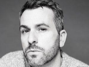 Roberto Cavalli elege Paul Surridge novo diretor criativo da marca