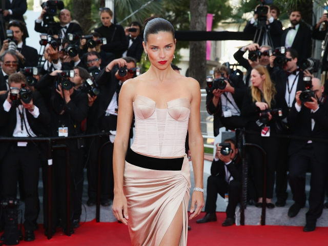 Adriana Lima || Créditos: Getty Images