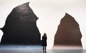 """Abertura de """"Duas Cavernas"""", de Rodrigo Andrade, na Galeria Millan"""
