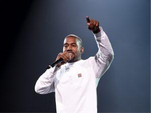 Para sair do vermelho, Kanye West vai voltar aos palcos em 2018