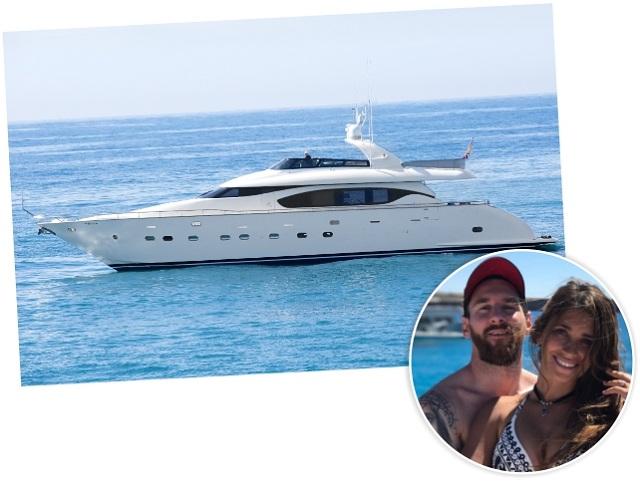 """Messi com Antonella e o iate """"Seven C"""""""