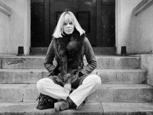Morre Anita Pallenberg, ícone da moda e musa dos Rolling Stones