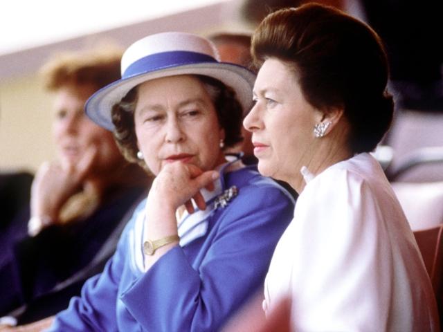 A rainha e sua irmã, a princesa Margaret || Créditos: Getty Images