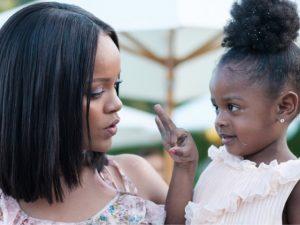Festa de aniversário da sobrinha de Rihanna custou perto de R$ 1 mi