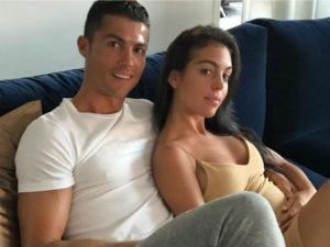 Site americano diz que namorada de Cristiano Ronaldo está grávida