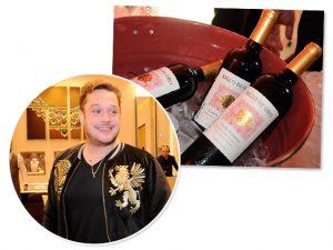 Helinho Calfat reúne turma animada para noite regada a bons vinhos