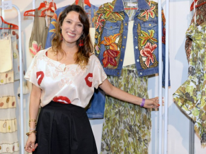 """Isabela Capeto volta a ter loja: """"Sem coragem a gente não vive"""""""