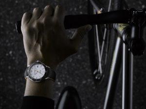 Baume & Mercier arma happy hour para lançamento da nova coleção de relógios