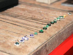 Pedras coloridas, diamantes e metais preciosos da La Joie no Coletivo Glamurama