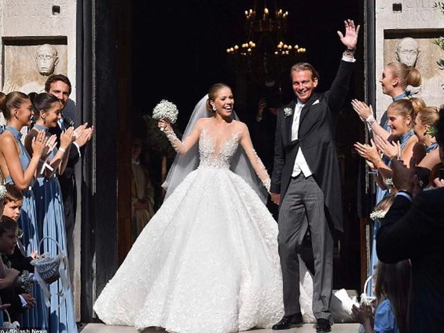 Herdeira da Swarovski se casa na Itália com vestido milionário ... 88a5c7e39e