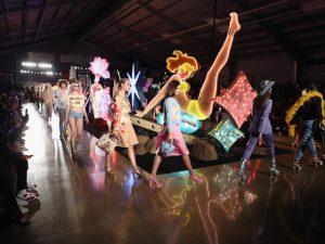Road trip de Los Angeles a Las Vegas é tema de desfile da Moschino