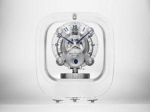 Lá em Casa: só por hoje com o relógio de mesa de cristal Jaeger-LeCoultre