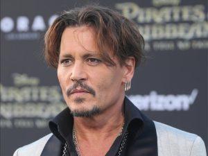 Comprador compulsivo, Johnny Depp pagou US$ 7 mil por sofá das Kardashian