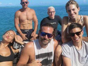 Os cliques de Irina Shayk e Bradley Cooper com amigos de férias no Taiti. Vem!