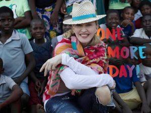 Madonna comemora inauguração de primeiro centro pediátrico do Malawi