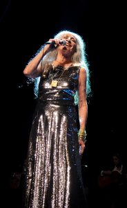 Maria Bethânia e seus maiores sucessos no palco do Citibank Hall