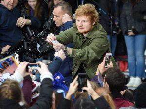 Vítima de ataques constantes, Ed Sheeran deleta conta no Twitter