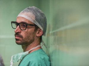 """Julio Andrade, sucesso em série: uma """"ferida aberta"""", aversão a sangue e mais!"""