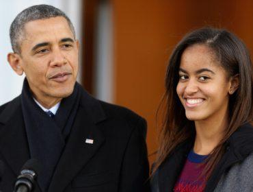 Com os pais a tiracolo, Malia Obama causa alvoroço em sua estreia em Harvard