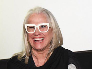 Vera Holtz fala sobre morte, balança e seu esperado ano sabático. À entrevista!