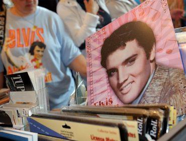 Morto há 40 anos, Elvis Presley faturou mais de R$ 85 milhões no ano passado