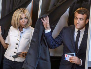 """Franceses não querem que Brigitte Macron seja """"oficializada"""" primeira-dama"""