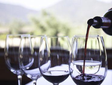 Vinhos que podem custar R$ 5 mil vai a leilão por até metade do preço