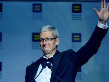 """Tim Cook, CEO da Apple, ganhou bônus de R$ 280 mi por """"bom desempenho"""""""