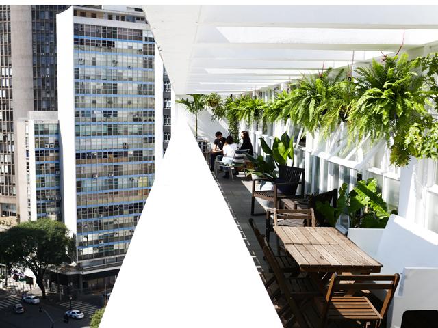 Clique da nova varanda da Triptyque com 'a' vista do centro de SP! Créditos: Frâncio de Holanda