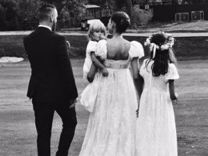 Simple chic: o casamento no campo da modelo italiana Bianca Balti