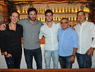 Os convidados da primeira festa de abertura do Cafe De La Musique Dining Club