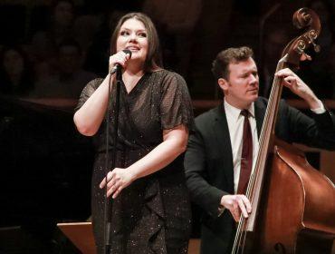 Cantora de jazz Jane Monheit se apresenta em evento beneficente na Sala São Paulo nessa terça-feira