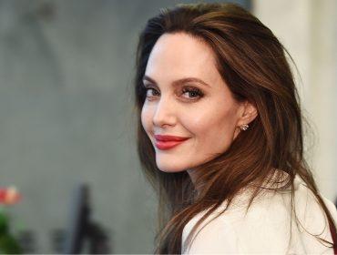 Angelina Jolie perde a paciência com repórter que a questionou sobre Brad Pitt
