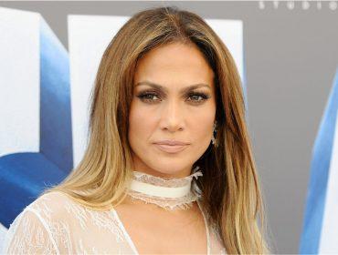 Jennifez Lopez anuncia doação de US$ 1 milhão para as vítimas do furacão Maria