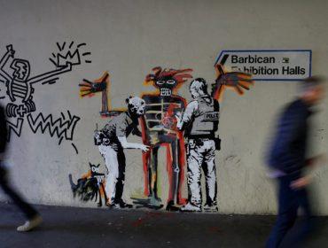 Londres inicia a semana com dois grafites de Banksy em homenagem a Basquiat…