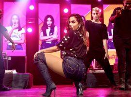 Anitta encomenda figurino urbano e glam com a mesma estilista de Ivete Sangalo