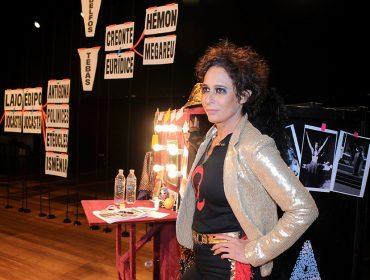 Andréa Beltrão subiu ao palco do Teatro Raul Cortez para estrear o espetáculo 'Antígona'