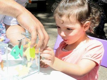 No Piquenique Glamurama, crianças se divertiram decorando aquários com a Chicco