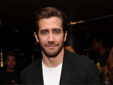 Jake Gyllenhaal estrela nova campanha de perfume da CK. Vem aqui ver a foto!