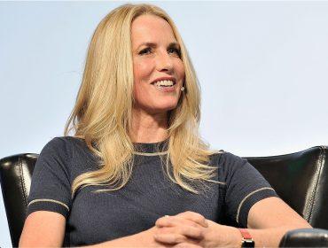"""Viúva de Steve Jobs, morto há 6 anos, Laurene Powell agora é """"cartola"""" nos EUA"""