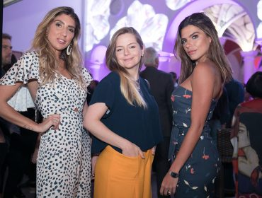 Mariana Goldfarb e Fiorella Mattheis juntas em evento de moda no Rio