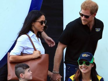 Clima de love entre Harry e Meghan Markle no Canadá não agradou a rainha