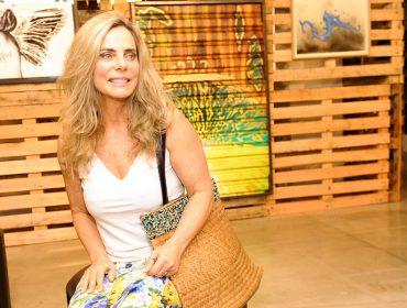"""""""Não devemos censurar a arte"""", pede Bruna Lombardi na abertura da Mostra de Cinema"""