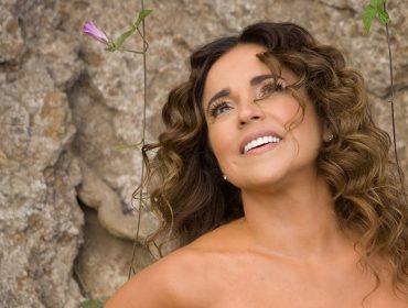 """Daniela Mercury: """"Tô mais alegre, mais vibrante e mais acesa do que nunca"""""""