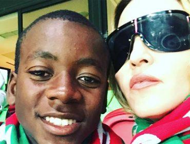 Aspirante a jogador de futebol, filho de Madonna surpreende como cantor. Aos fatos